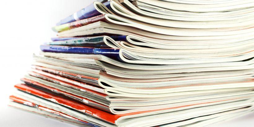 Spiegel - Zeitungsstapel
